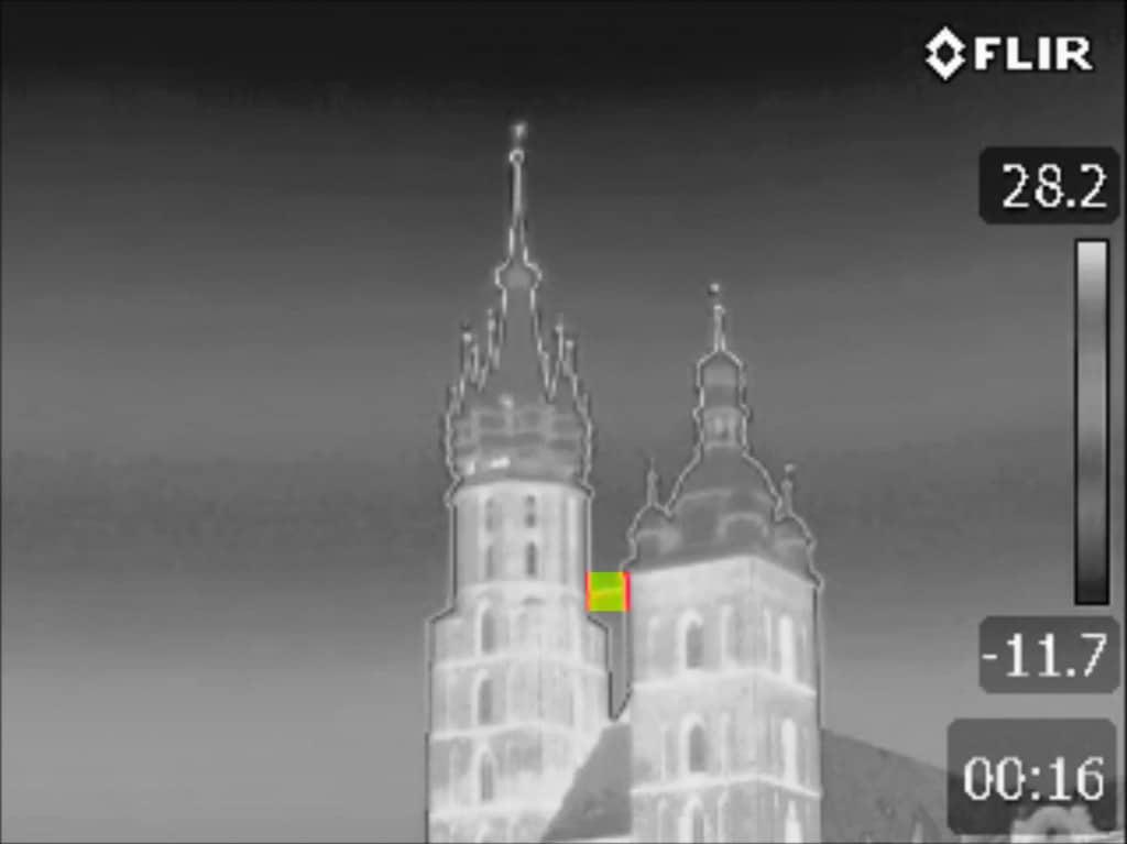 Kamera Termowizyjna Wynajem - Przegląd Wschodniej strony Rynku Głównego w Krakowie (2)